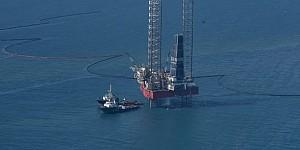 PHE ONWJ Sukses Isolasi Penuh Oil Spill Sekitar Anjungan