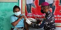 Serbuan Vaksinasi Korps Marinir TNI AL Menjangkau Tiga Distrik  di Kabupaten Sorong